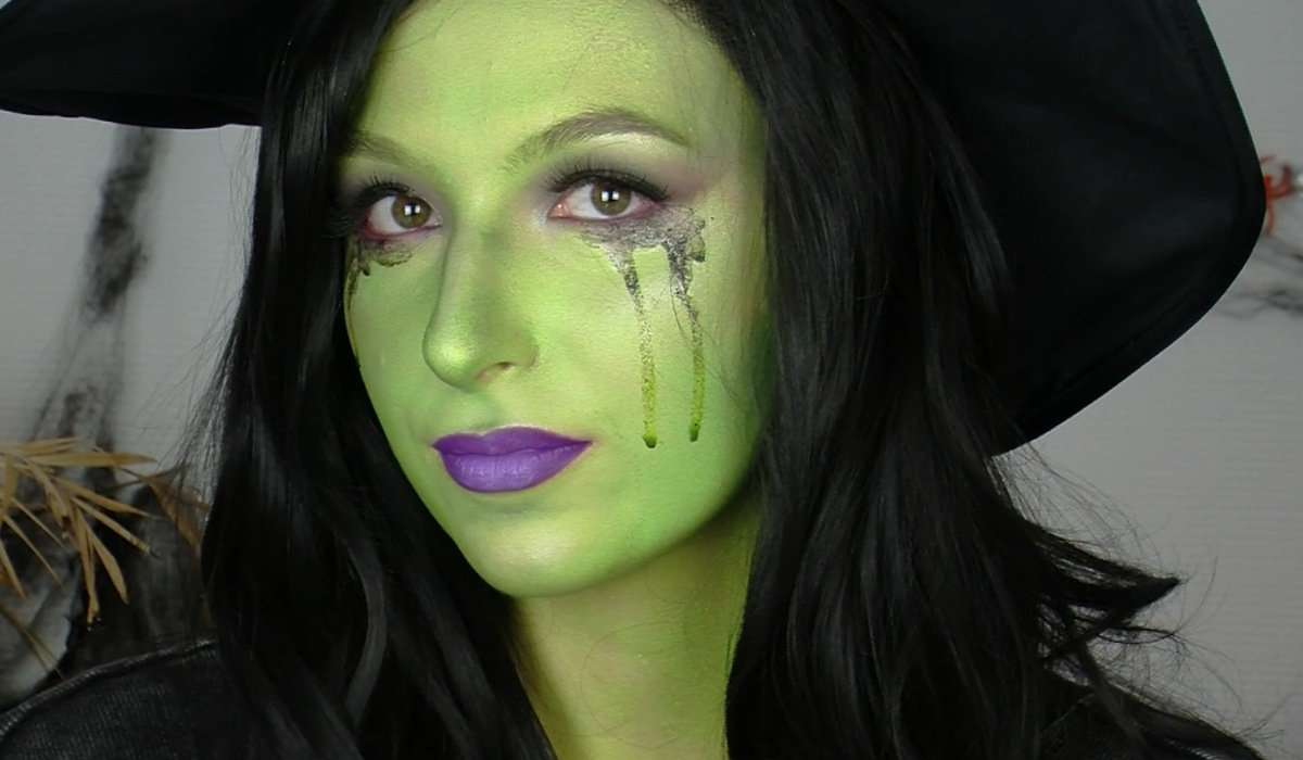 Halloween Make Up In Fünf Steps Zum Coolen Hexen Look Unicum